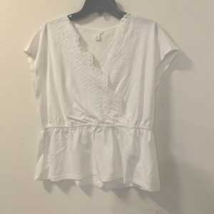Caslon Embroidered Peplum Top Sz Large White Vneck